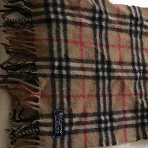 Vintage Burberry 100% cashmere scarf